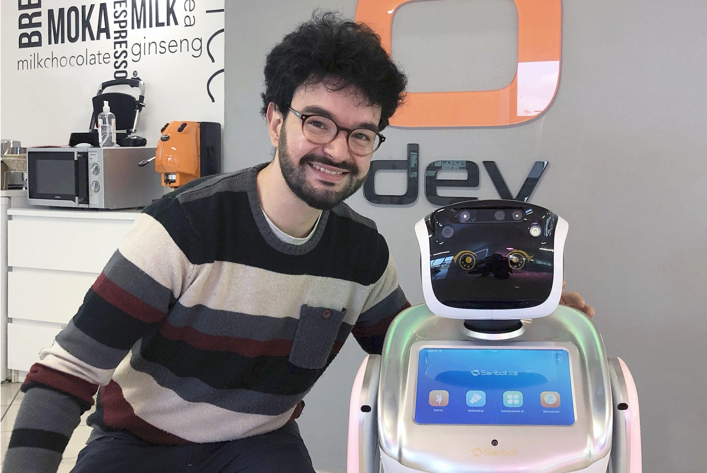 """""""Sanbot"""", il robot che naviga in autonomia anche in ..."""